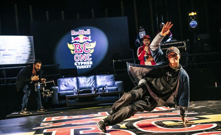 Red Bull BC One E-Battle ile Breakdans Arenasını Hareketlendiriyor