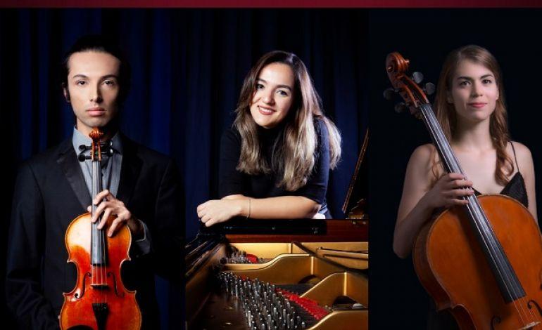 Nova Trio