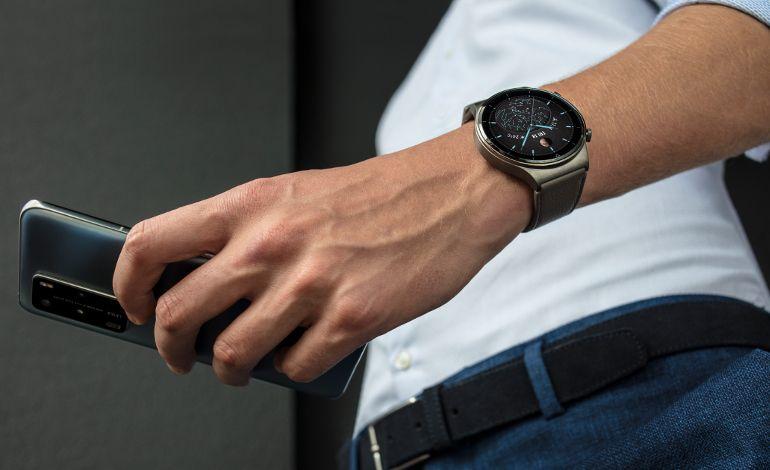Watch GT 2 Pro ile Hem Stilinizle Farklılaşın, Hem de Sağlığınızı Takip Edin