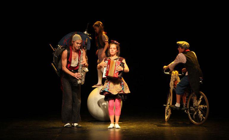 Uluslararası Eskişehir Çocuk ve Gençlik Tiyatroları Festival
