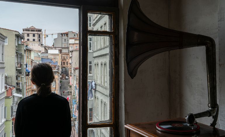 Gian Maria Tosatti: Kalbim Ayna Gibi Boş – İstanbul Bölümü