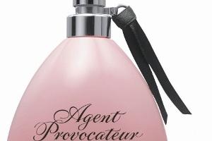 Gizemli Kadının Parfümü: L'agent
