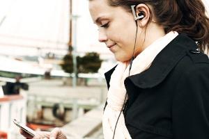 Apple Tutkunlarının Yeni Dostu Bang-Olufsen EarSet 3i