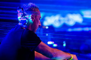 DJ Johan Gielen Happy New Years Party