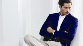 Sabri Özel Pantolonlar, Yaz Renkleriyle Şıklığınızı Tamamlıyor